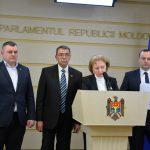 Депутаты ПСРМ покинули заседание парламента в знак протеста (ВИДЕО)