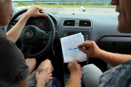 Будущий водитель и автоинструктор подали друг на друга жалобы в НАЦ