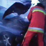 В Оргееве машина влетела в дерево: понадобилась помощь пожарных (ВИДЕО)