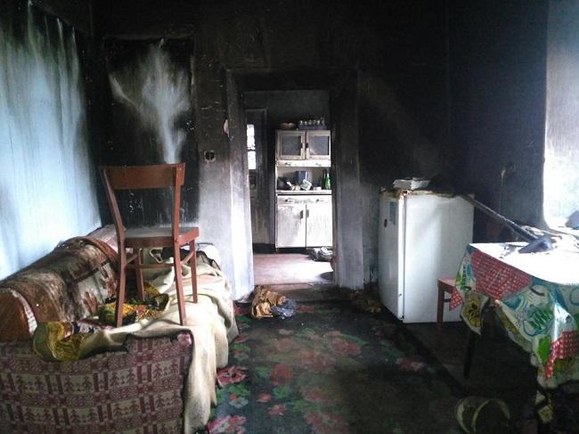 Сильный пожар уничтожил добрую часть дома в Леова (ФОТО)