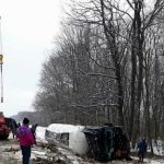 На трассе Кишинёв-Леушены грузовик после столкновения с легковушкой улетел в канаву (ФОТО)