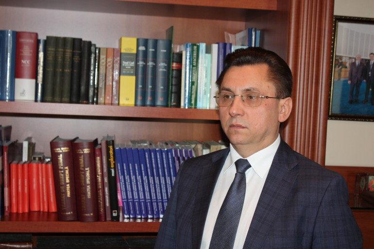 Михай Поалелунжь назначен судьей Конституционного суда