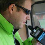 «Внимание, развод»: молдавский водитель предупредил о фальшивых алкотестерах, используемых патрульными (ФОТО)