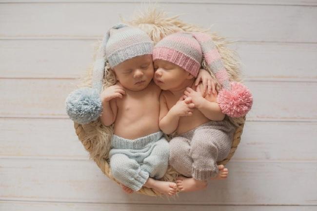 """В праздник Мэрцишор женщина родила первого из близнецов, не дождавшись """"скорой помощи"""""""