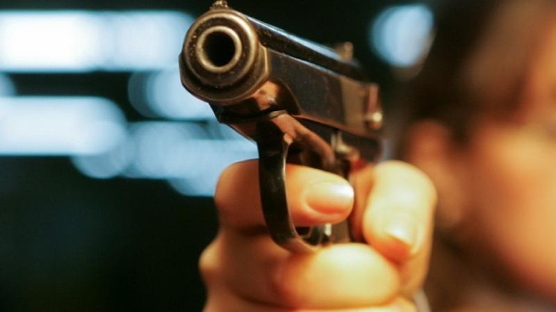 В Кишиневе женщина заработала синяк от выстрела пистолета