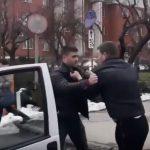 Столичный водитель кулаками наказал автохама, заблокировавшего одностороннюю дорогу (ВИДЕО)
