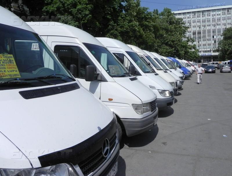 Внимание, кишиневцы! С понедельника меняются маршруты движения 5 микроавтобусов