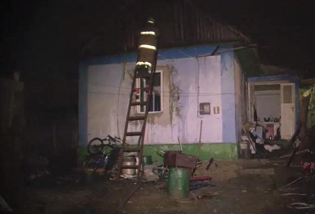 Сильный пожар в Бачой: загорелся дом, где проживала семья с тремя детьми (ВИДЕО)