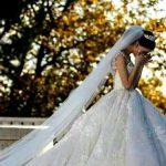 """Недовольной купленным за 800 евро платьем невесте пришлось """"выбивать"""" деньги из продавца"""