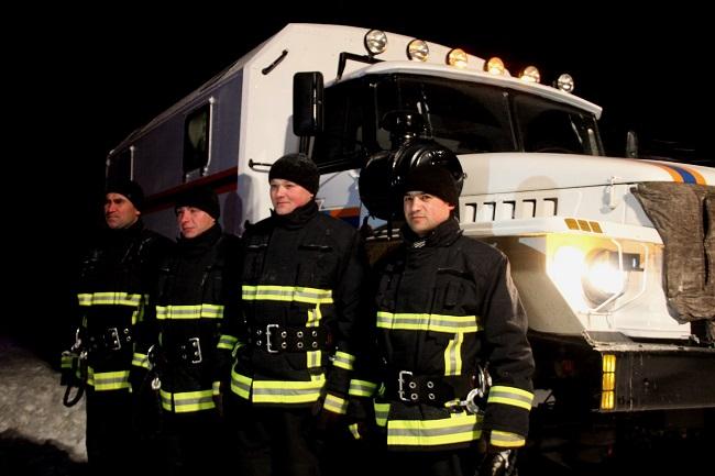 Спасатели не дремлют: за последние сутки они вытащили из снега 32 автомобиля (ФОТО, ВИДЕО)