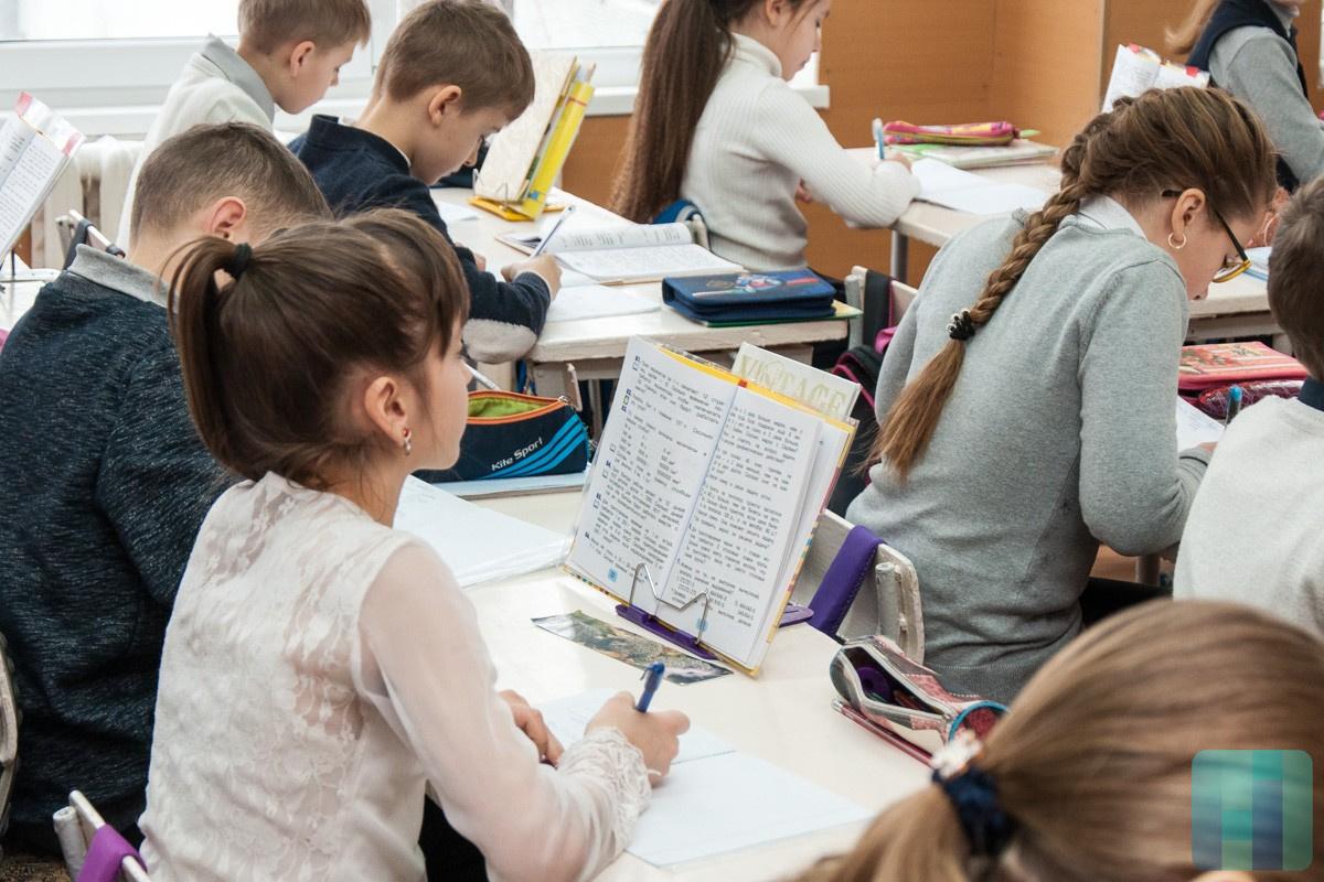 8000 детей из социально уязвимых семей в Кишиневе получат помощь к 1 сентября: куда обращаться (ВИДЕО)