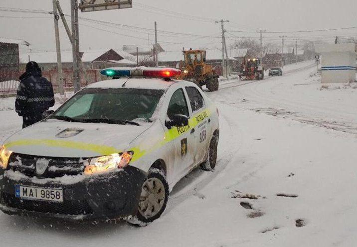 Снегопад в Молдове: трассы с трудом, но проходимы (ФОТО)