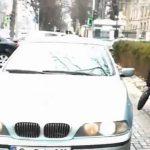 Дальше – хуже: паркующиеся на тротуарах Кишинева автохамы игнорируют и пешеходов, и съемку (ВИДЕО)