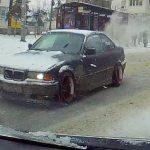 """Опасный """"дрифт"""" BMW в метре от толпы людей запечатлели в Кишиневе (ВИДЕО)"""