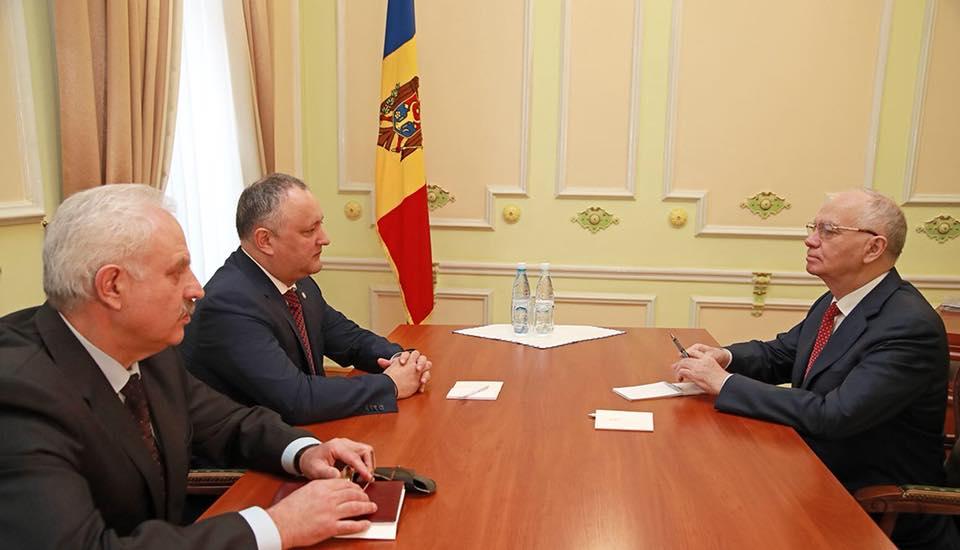 """Додон рассказал послу России, кто и для чего сделал """"вредительский шаг"""", выслав российских дипломатов из Молдовы"""