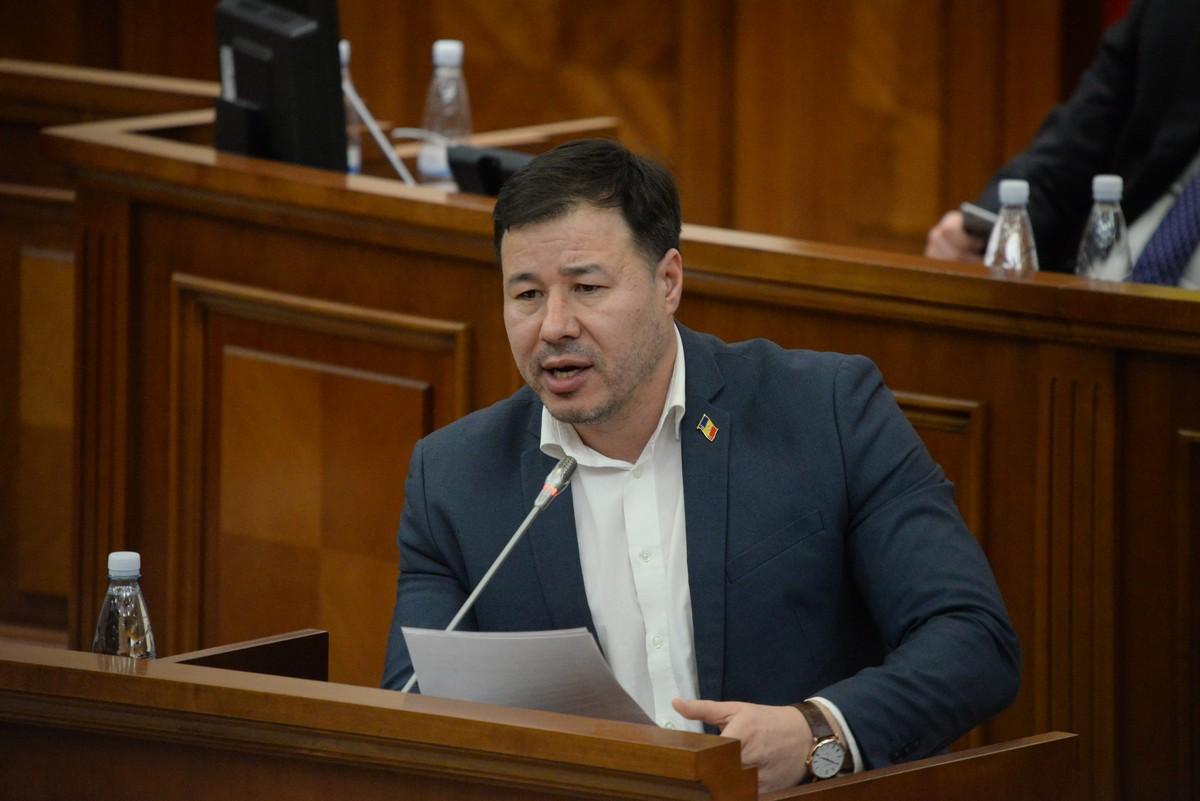 """Цырдя """"нокаутировал"""" Гросу на заседании парламента (ВИДЕО)"""
