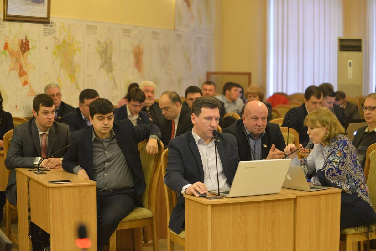 Проект о закупке 50 автобусов для Кишинева принят окончательно (ВИДЕО)