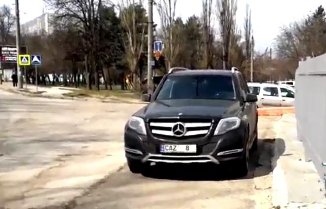 """""""Неисправимая"""" либералка: Алину Зотю вновь застали за хамской парковкой (ВИДЕО)"""