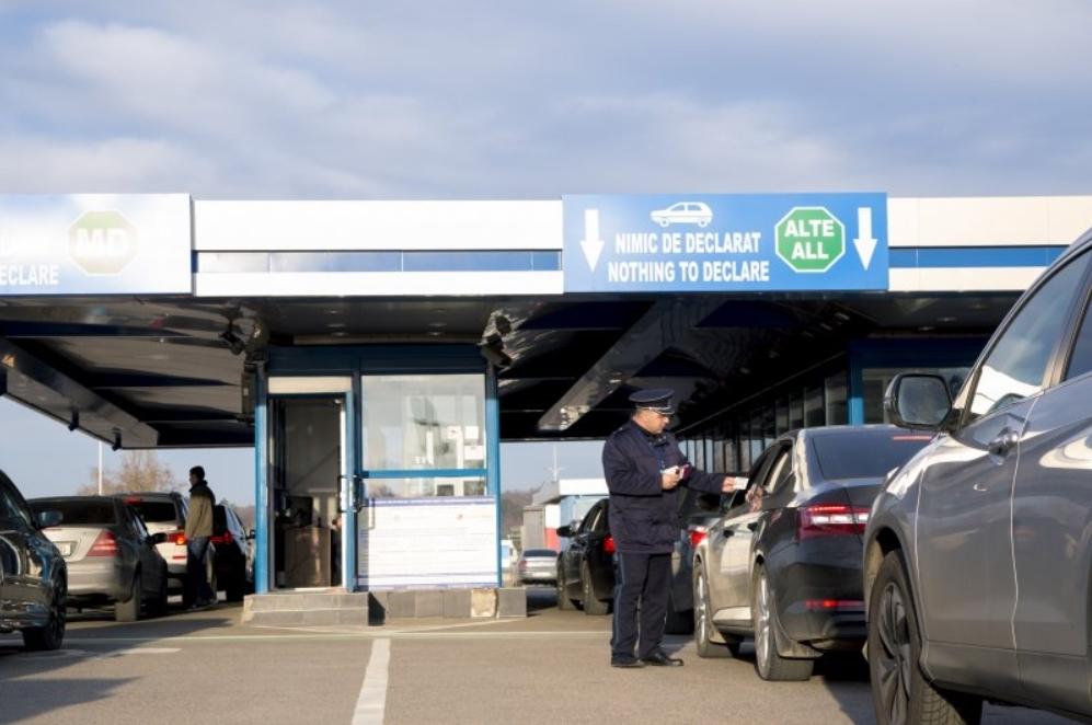 Ситуация на границе: сколько граждан въехало в Молдову и выехало из страны за сутки