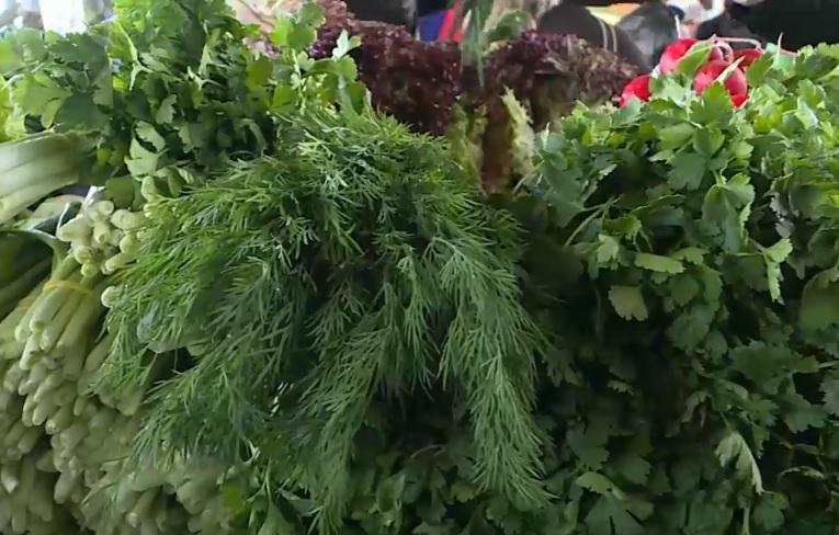 На рынках появились первые молдавские овощи (ВИДЕО)