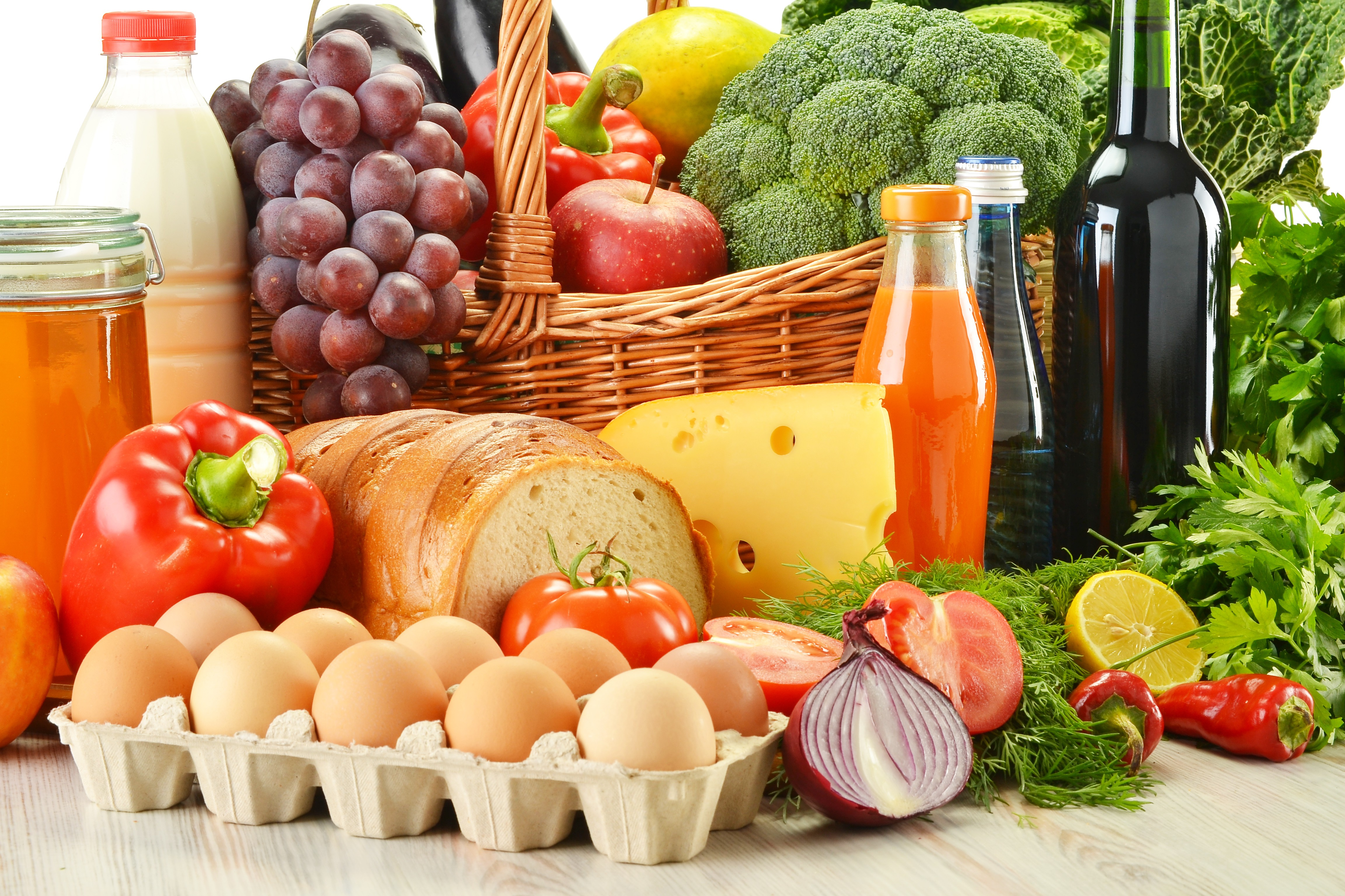 Статистика: в марте в Молдове подорожали овощи и фрукты, а подешевели яйца