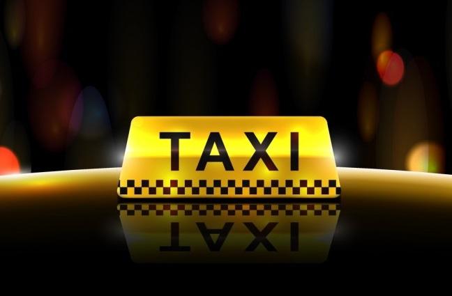 Подвыпивший таксист заснул за рулём и протаранил чужое авто (ВИДЕО)