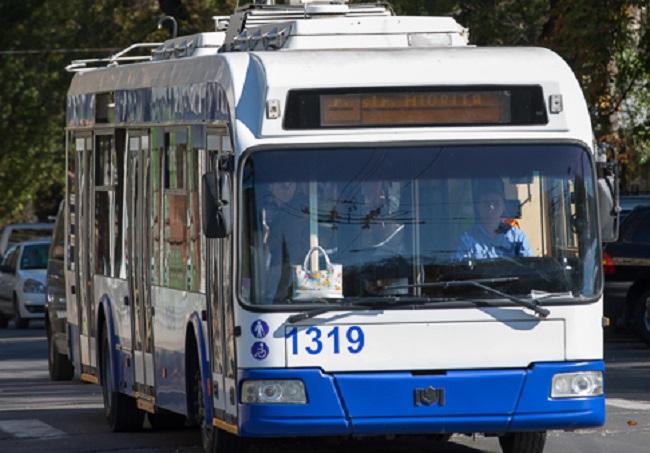 Чебан: Общественный транспорт в Кишинёве будут дезинфицировать после каждого рейса