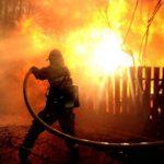 В Каларашском районе сгорел сельский дом: у пожарных случилась поломка (ВИДЕО)