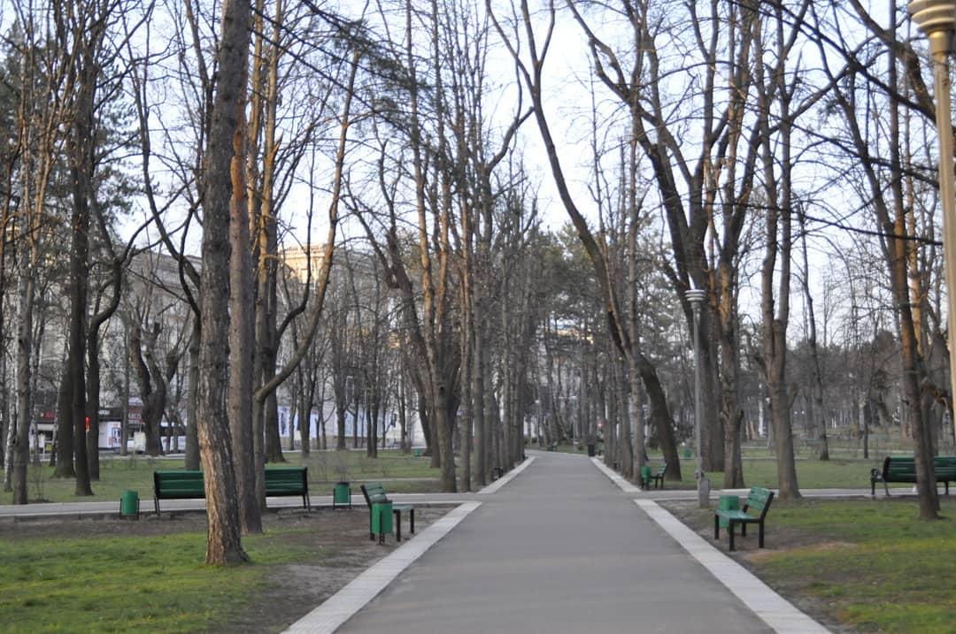 Дивная погода и свободные улицы: как выглядит Кишинев на Пасху (ФОТО)