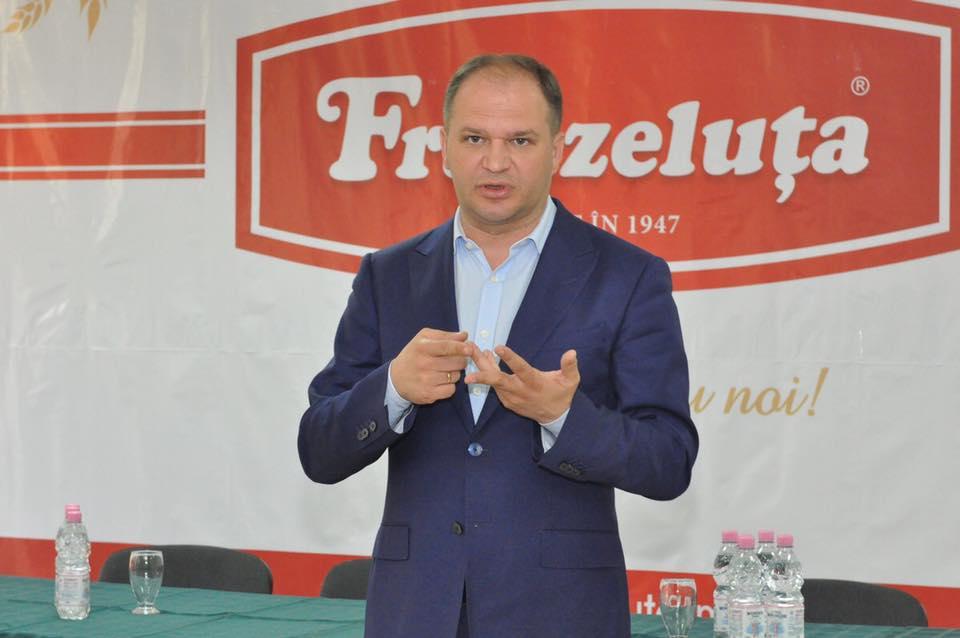 Чебан на встрече с сотрудниками АО Franzeluţa поделился своими планами развития Кишинева (ФОТО)