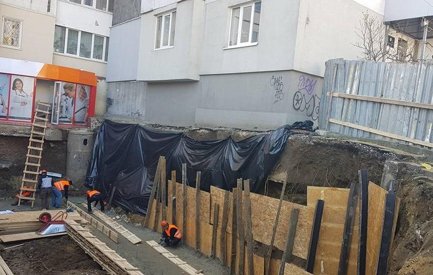 В Кишиневе развернулась новая опасная и сомнительная стройка: примэрия и полиция не торопятся реагировать (ФОТО, ВИДЕО)