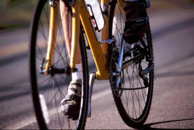 Несовершеннолетние угнали из многоэтажки два велосипеда