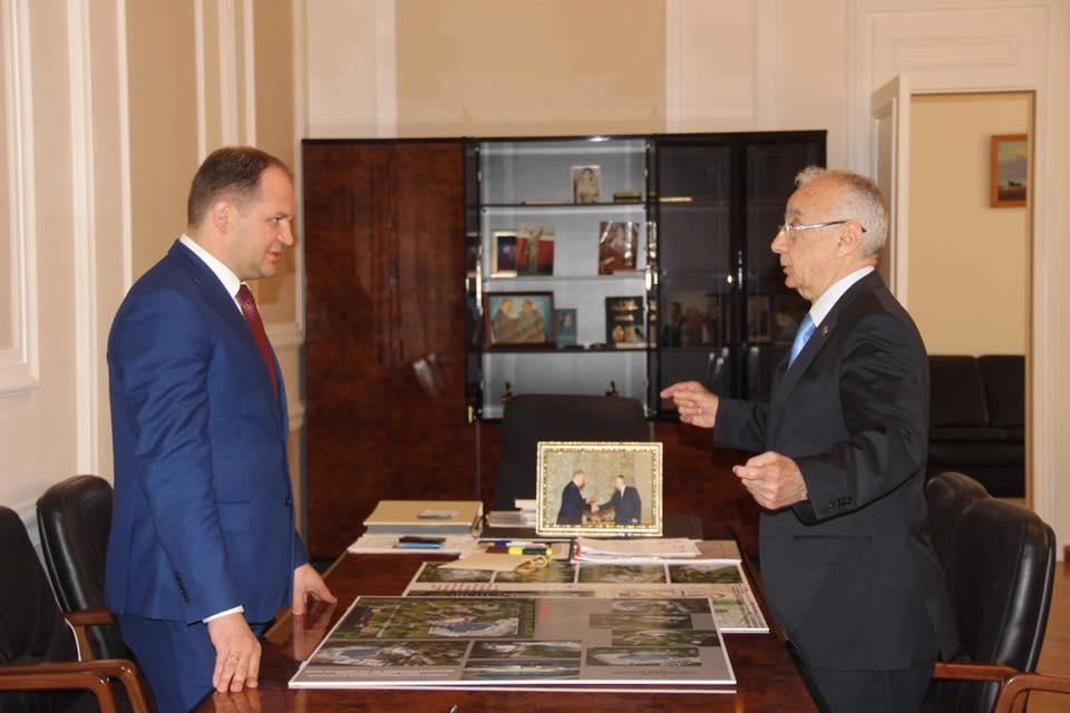 Чебан: Нам под силу преобразовать Кишинёв точно так же, как был преобразован Баку и многие другие красивые города (ФОТО)