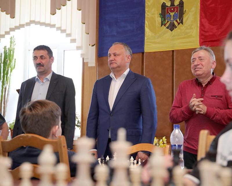 Президент принял участие в открытии открытии финала Республиканского турнира по шахматам среди школьных команд «Белая ладья»