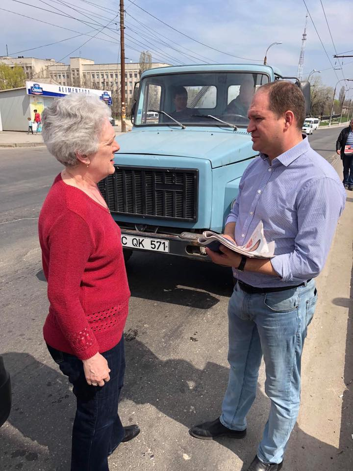 Ion Cheban personally distributed newspapers with proposals and solutions for Chisinau