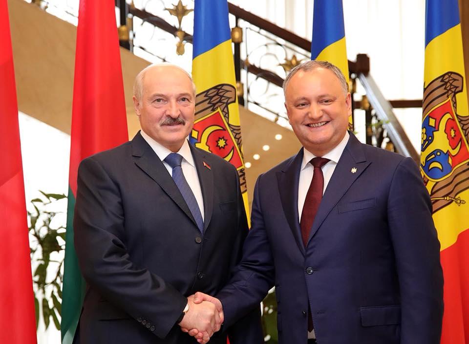 """Лукашенко: Формулу Додона я принимаю """"на ура"""""""