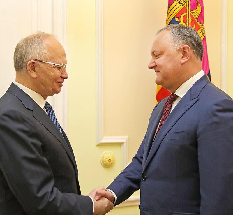 Додон обсудил ряд важных тем с послом России в Молдове