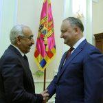 Додон согласился совершить официальный визит в Катар в этом году