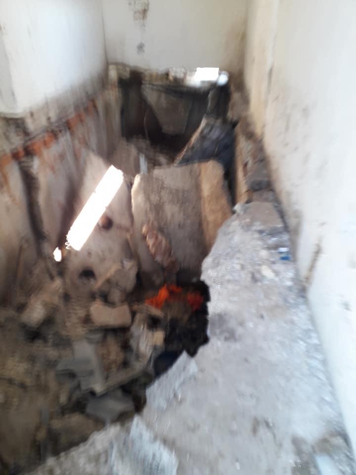 В Новых Аненах развалился уличный школьный туалет: пострадали двое взрослых
