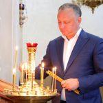 Додон: У молдавского народа есть будущее только при условии сохранения завещанных нам предками традиционных ценностей и Православной церкви (ФОТО)