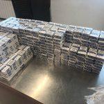 Четвероногий пограничник помог найти спрятанную в багаже контрабанду (ФОТО)
