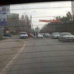 В Кишинёве мужчина лёг под колёса машины прямо на проезжей части
