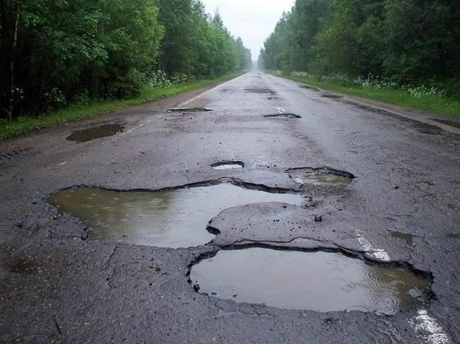 Более 70% национальных дорог в Молдове находятся в критическом состоянии (ИНФОГРАФИК)