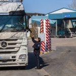 Молдаванин купил фальшивые права за 350 евро, чтобы управлять фурой с прицепом