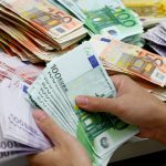 Стремительное падение евро произойдёт в понедельник в Молдове