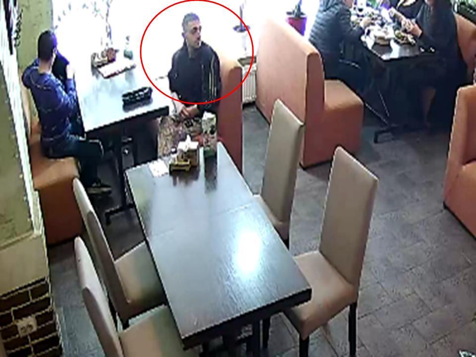 Наглая кража мобильного телефона в столичной пиццерии попала на видео