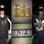 На Рышановке были задержаны двое молодых людей, без стеснения употреблявшие наркотики на улице (ВИДЕО)