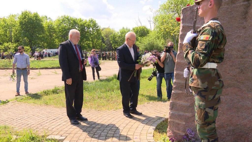 Социалисты почтили память жертв аварии на Чернобыльской АЭС (ФОТО)
