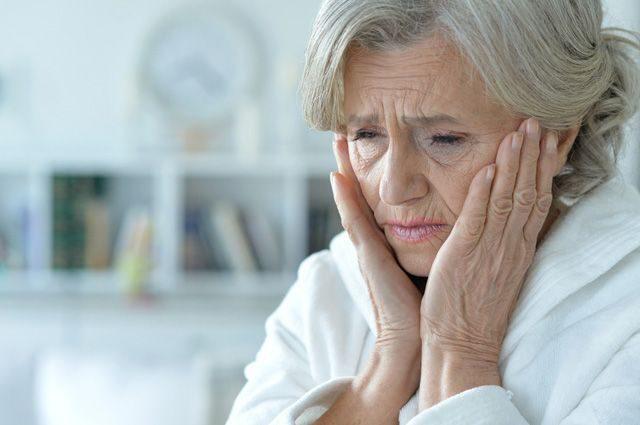 Справиться с болью. Почему пожилым людям нельзя её терпеть