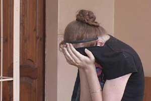 Молодую жительницу столицы обокрали, пока та делала маникюр (ВИДЕО)